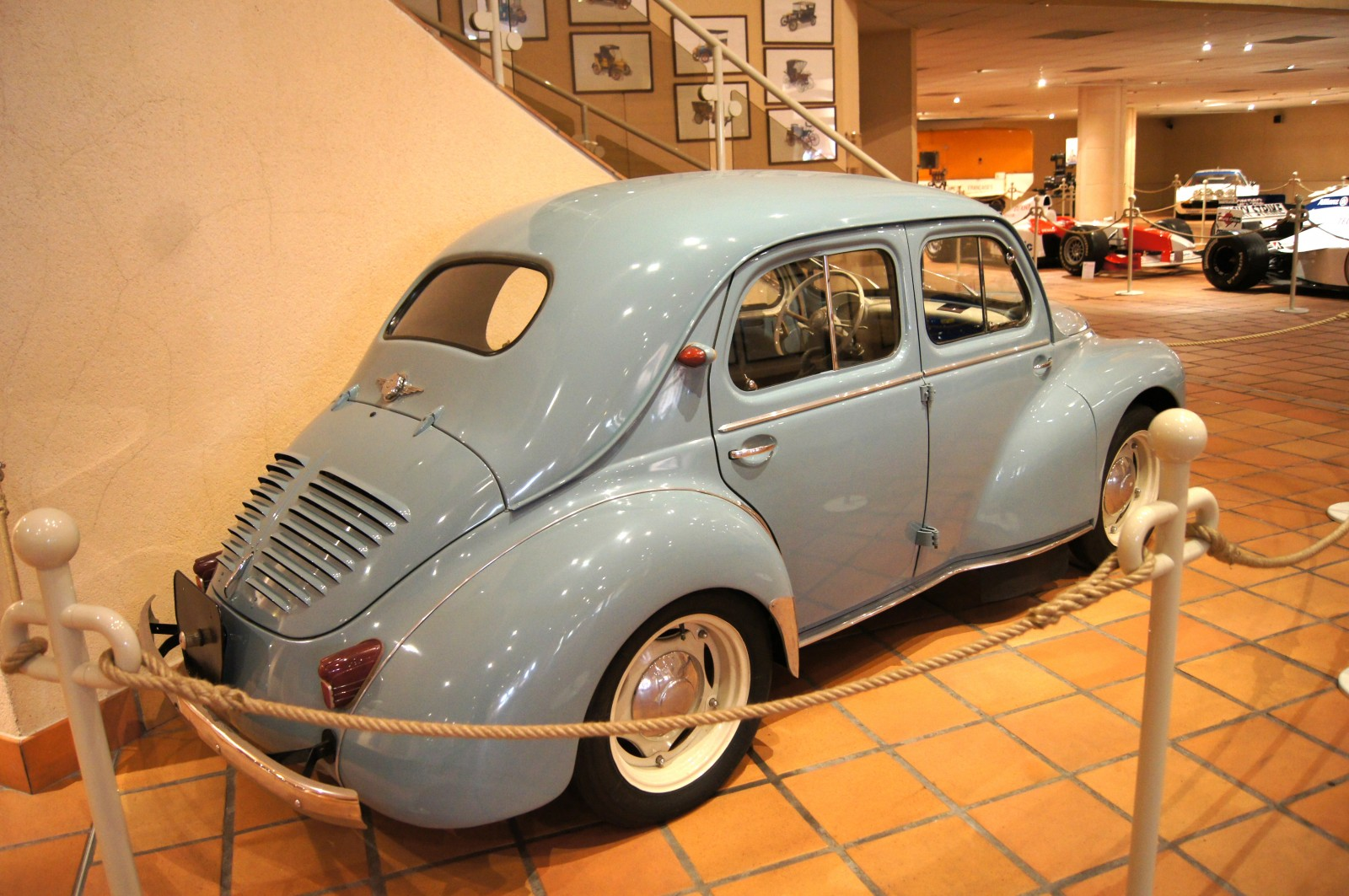 1957 renault 4cv  type r 1062