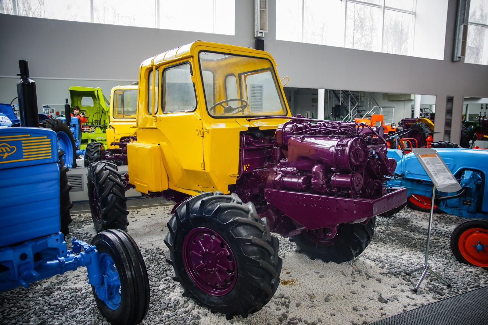 фото продукции липецкого тракторного завода